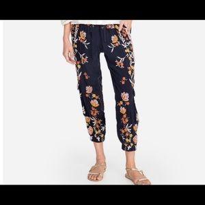 Johnny was capri pants. Brand new
